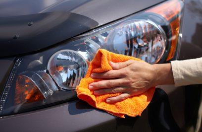Czym wyczyścić reflektory samochodowe?